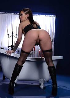 Schöne Ass von nackten Mädchen in der Welt.
